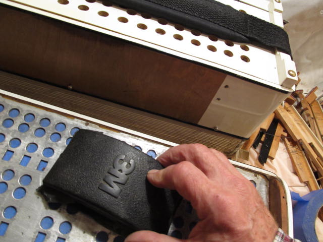 A 3M[R] sanding block is quite a handy tool for sanding down the <i>fondo.</i>